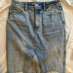 A&F Denim Pencil Skirt 🔥